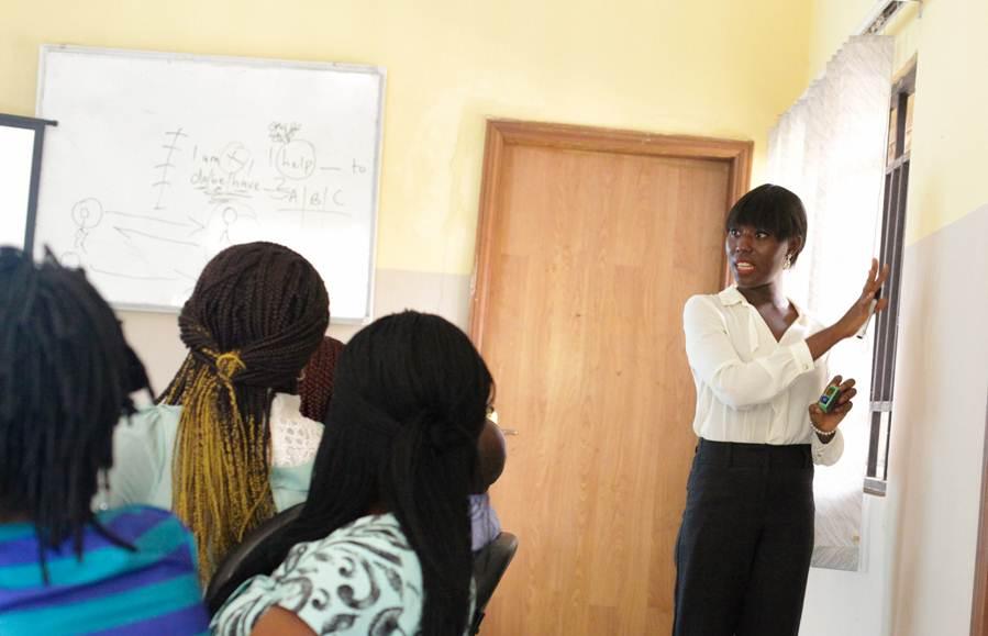 Presentation-skills-trainer-Buife-Nomeh-facilitating a Professional Presence workshop